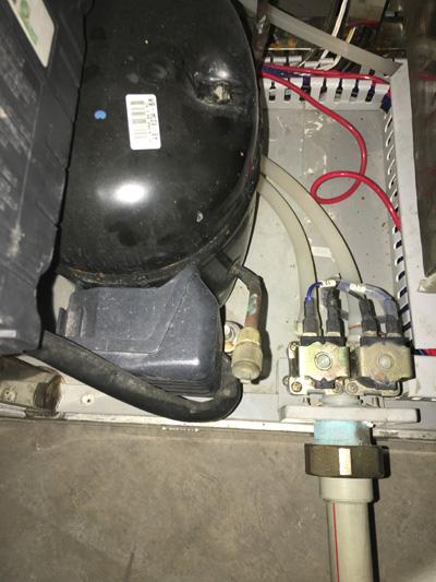 富峰汽配复合式盐雾试验机压缩机图片